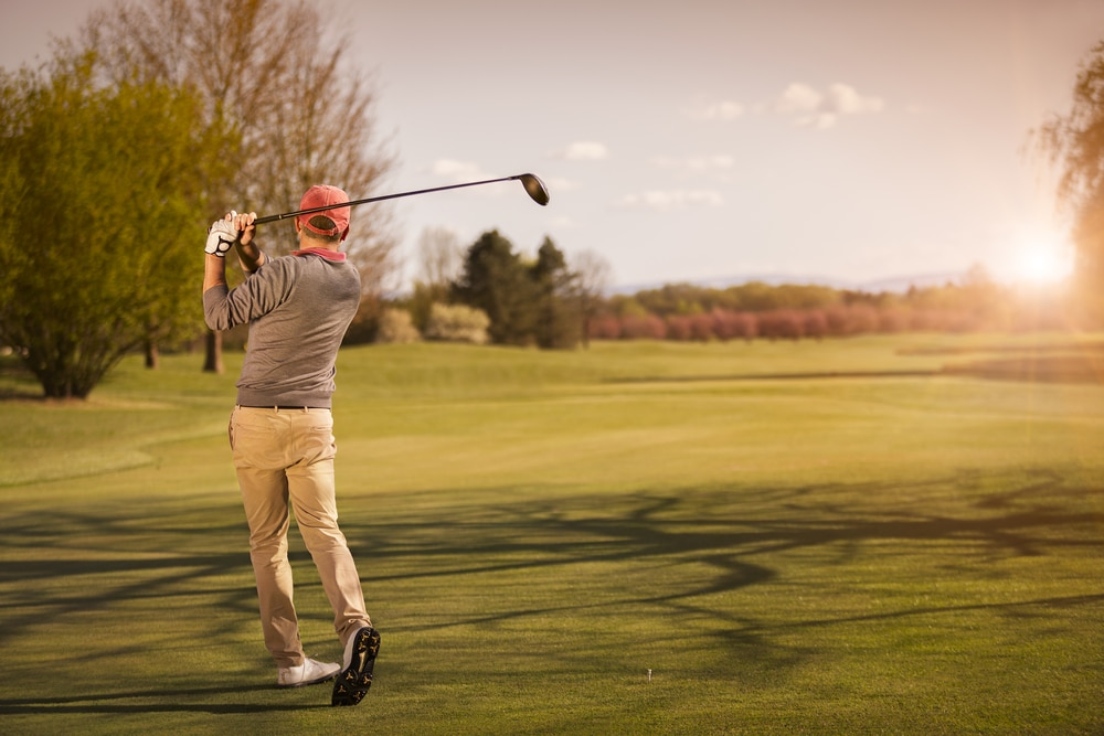 How to Swing a Golf Club in 5 Easy Steps